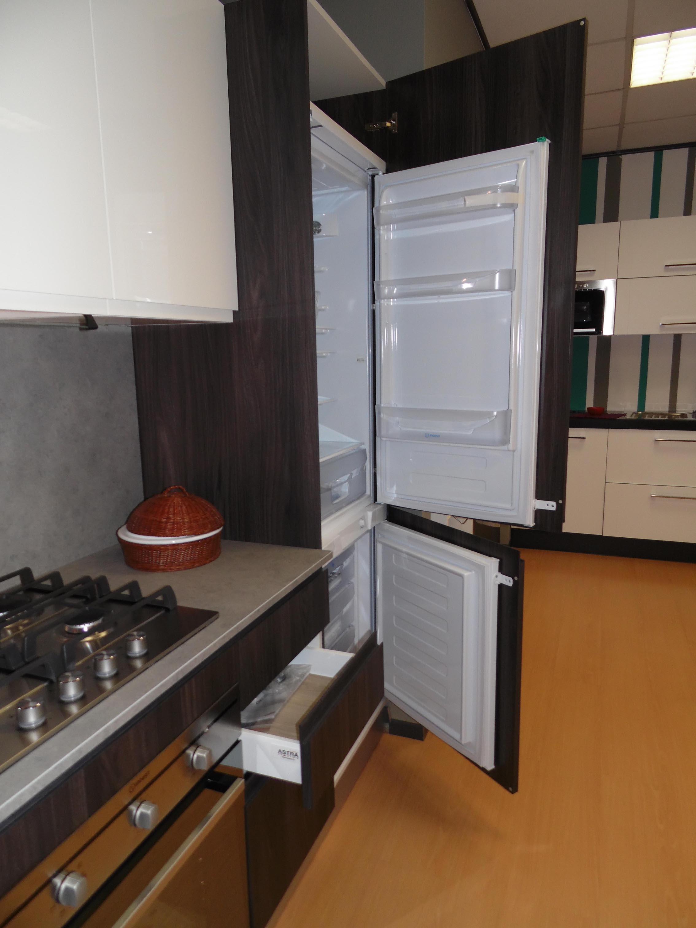 Astra cucine cucina line wood afro scontato del 65 - Cucine astra prezzi ...