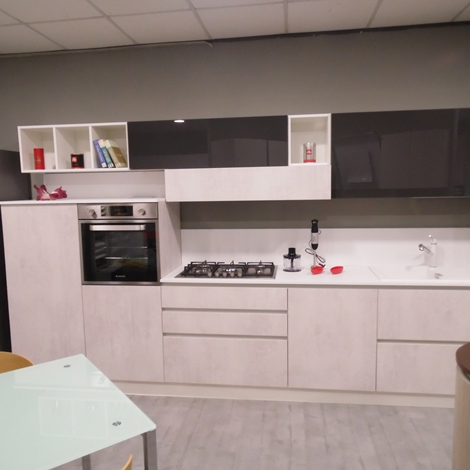 Astra cucine cucina sp 22 tecnomalta laminato effetto cemento scontato del 51 cucine a - Astra cucine prezzi ...