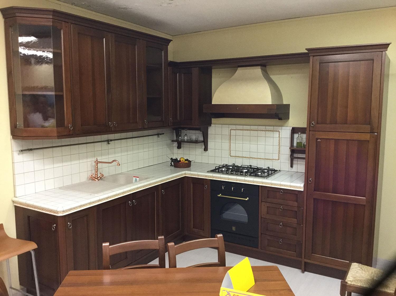 Cucina classica berloni lirica in offerta cucine a for Cucine in offerta prezzi