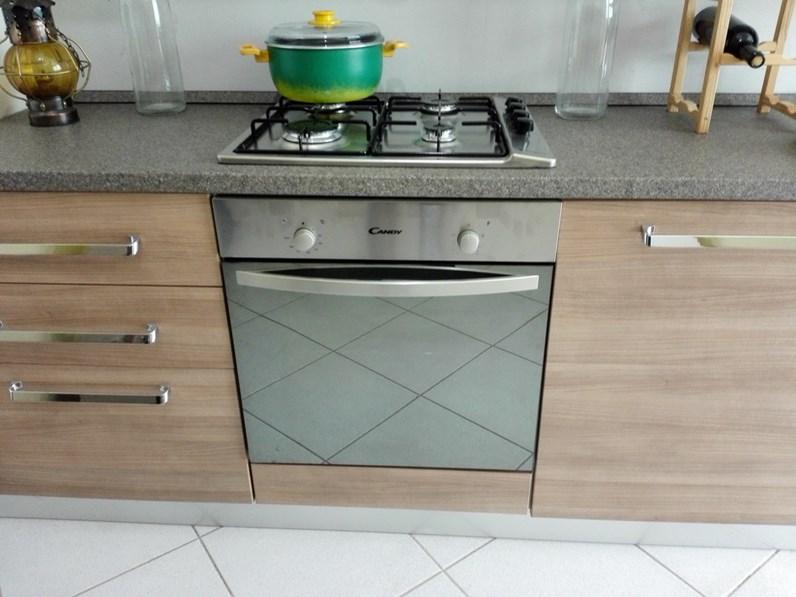 Brio cucina moderna con elettrodomestici by mobilturi - Cucine pronta consegna ...