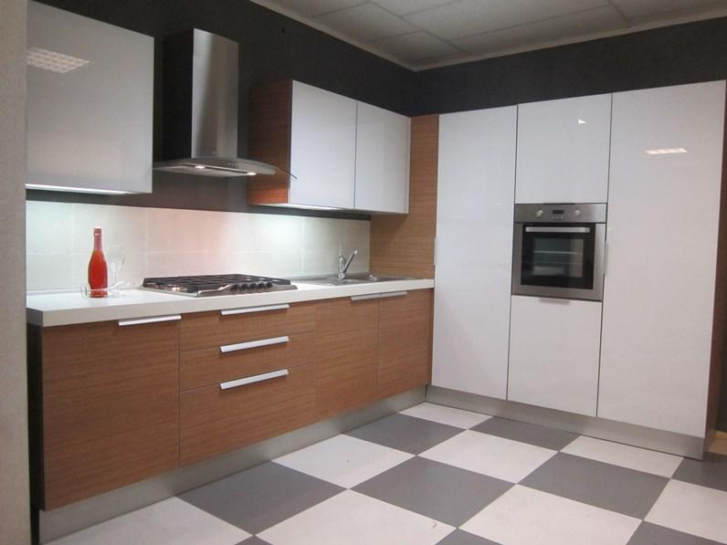 Cesar cucine cucina aria luce teack e bianco moderna vetro bianca - La cucina di aria ...