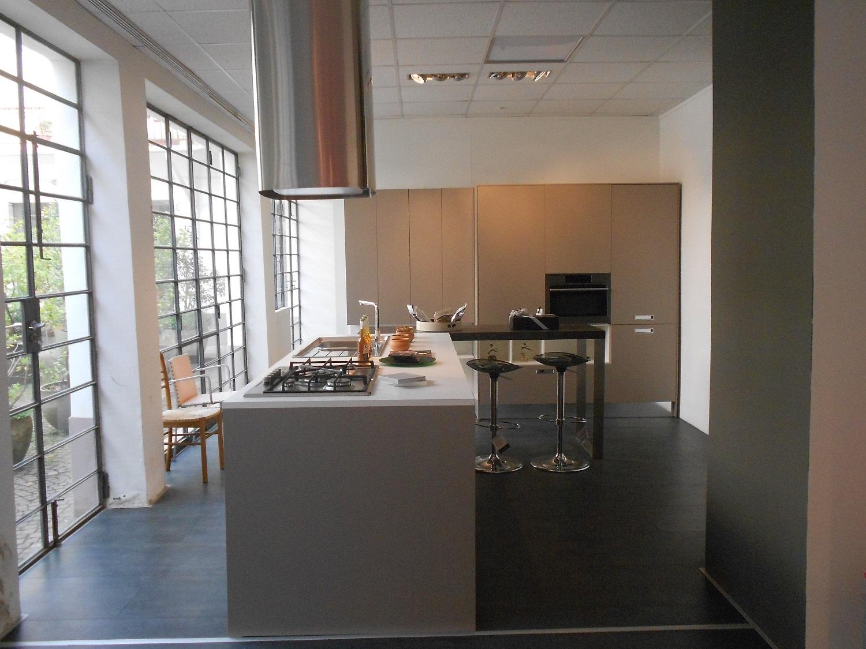 Cesar cucine cucina kora design laminato opaco grigio scontata del 58 cucine a prezzi scontati - Cucine cesar prezzi ...