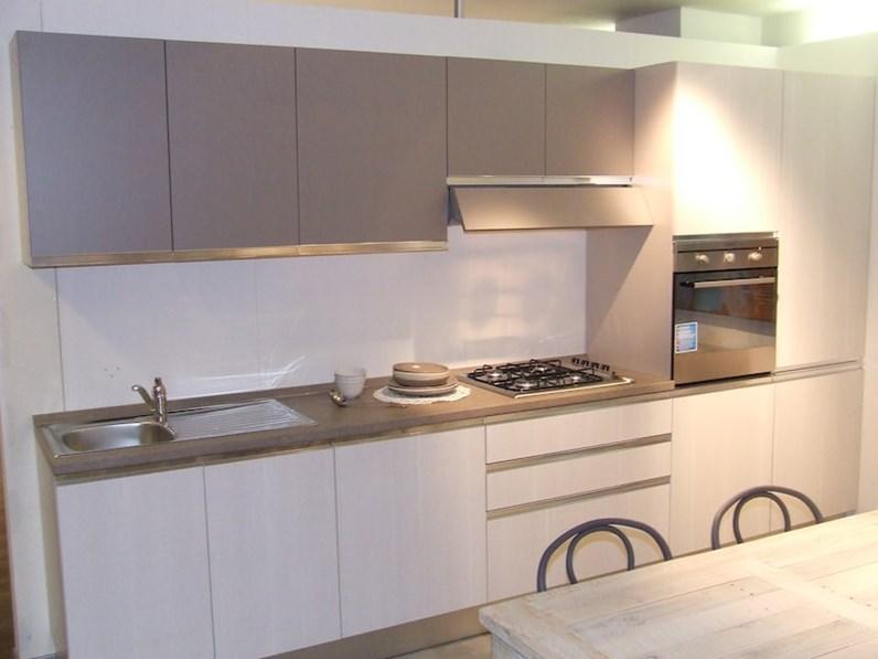 Cucine Ernestomeda Prezzo : Creo kitchens cucina nita scontato del