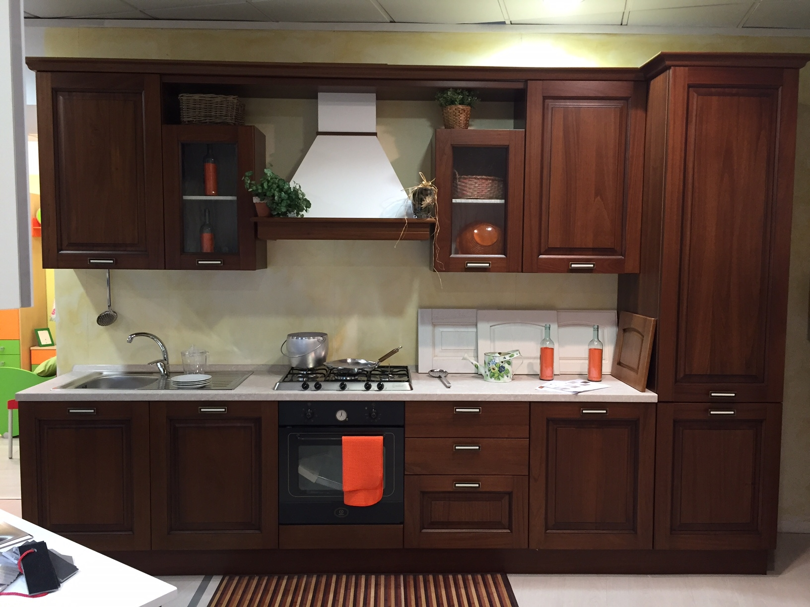 Creo kitchens cucina oprah classico legno noce l 360 cm - Cucine color avorio ...