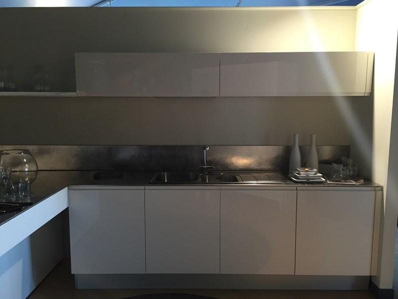 Cucina moderna con penisola cesar scontata del 55 for Isola cucina circolare