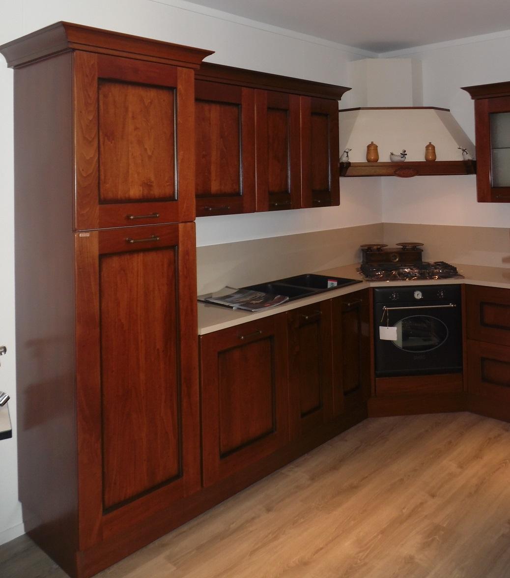 Cucina ad angolo Amelie Scavolini scontata del 30% - Cucine a prezzi scontati