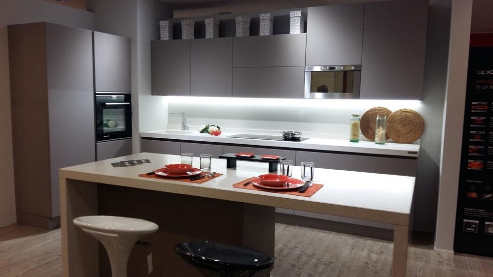 Cucina ad isola Arrital AK03 scontata del 59% - Cucine a prezzi ...
