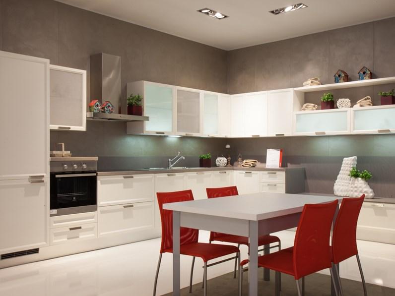 Cucina ad angolo Atelier Scavolini con un ribasso del 50%