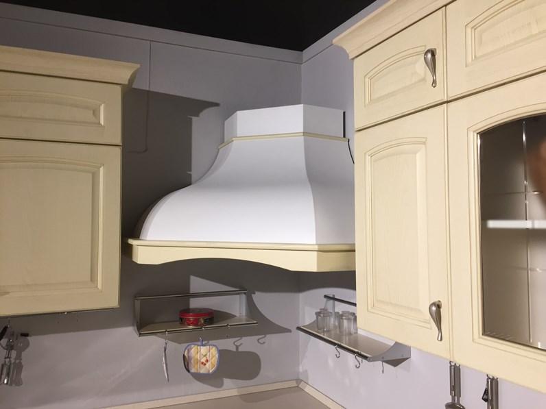 Cucina ad angolo classica anta massello laccata decape - Forno ad incasso franke ...
