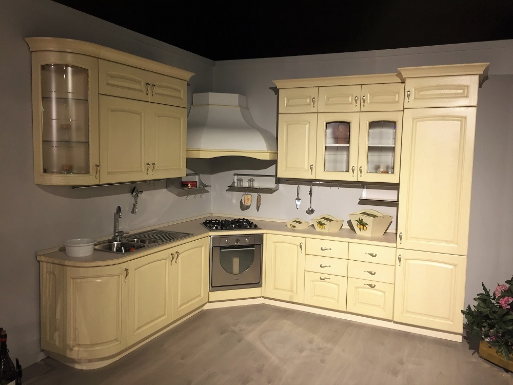 Cucina ad angolo classica anta massello laccata decape - Cucine con piano cottura ad angolo ...