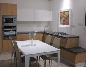 Cucina ad angolo in altri materiali a prezzo ribassato 48%