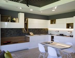 Cucina ad angolo in laccato lucido bianca Motus a prezzo ribassato