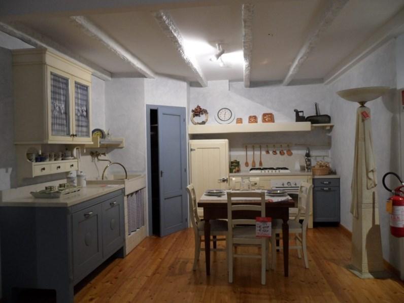 Cucina ad angolo in legno altri colori Country a prezzo ribassato