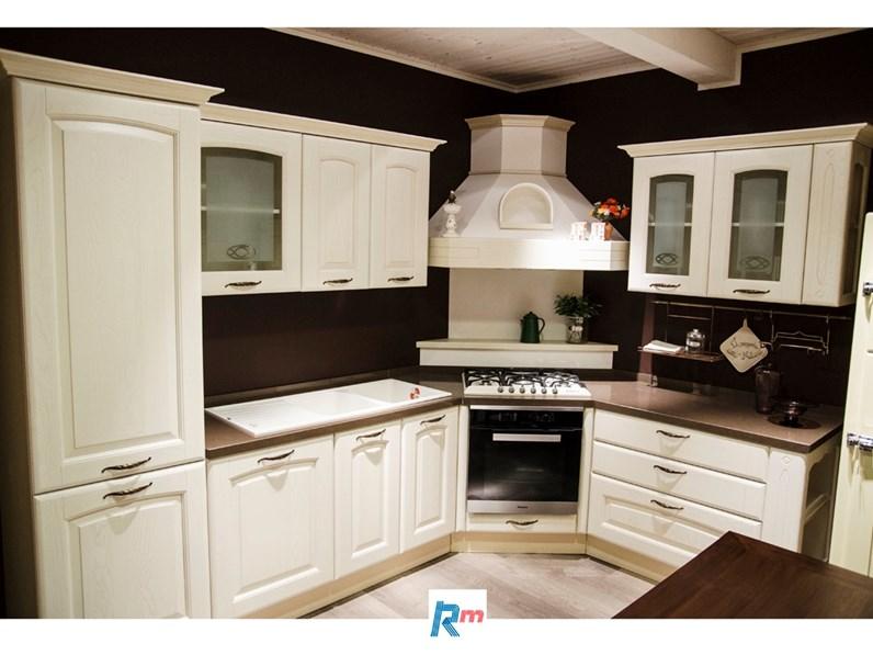 Cucina ad angolo in legno magnolia Veronica a prezzo scontato