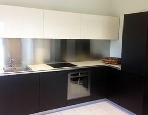 Cucina ad angolo in legno rovere moro El_01 a prezzo scontato