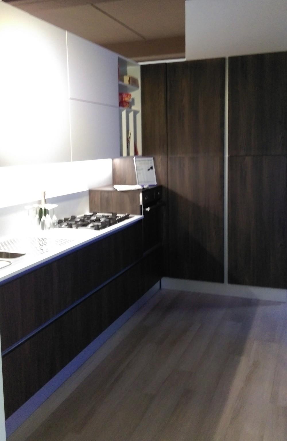 Cucina ad angolo infinity cucine a prezzi scontati - Cucina moderna ad angolo ...