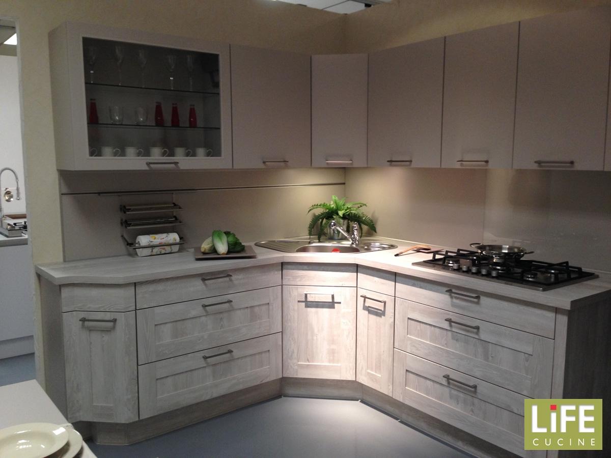 Cucine con lavello ad angolo e penisola tutte le - Blocco lavello cucina ...