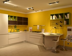 Cucina ad angolo Linda Lube cucine con un ribasso vantaggioso
