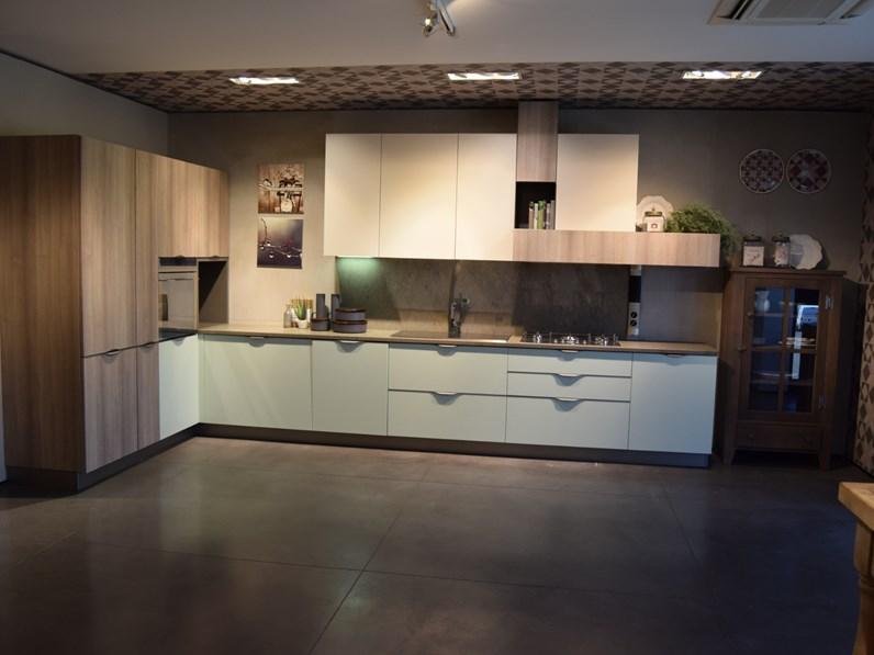 Cucina ad angolo moderna Maya Stosa cucine a prezzo scontato