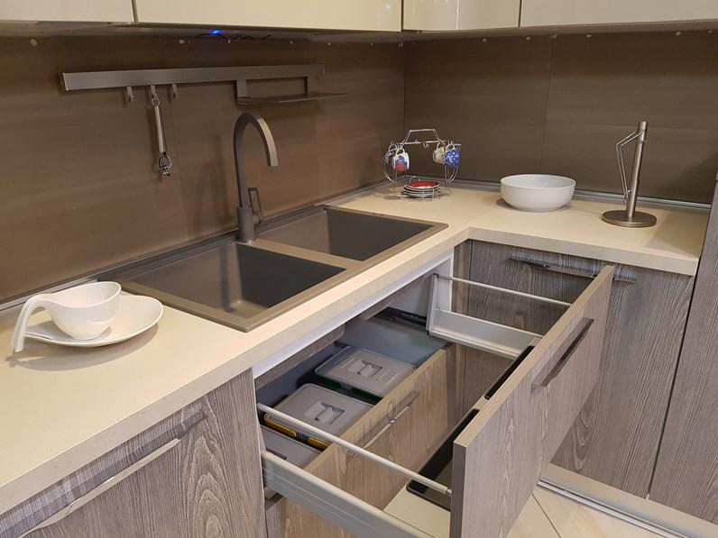 Cucina ad angolo moderna Miami Spar a prezzo ribassato