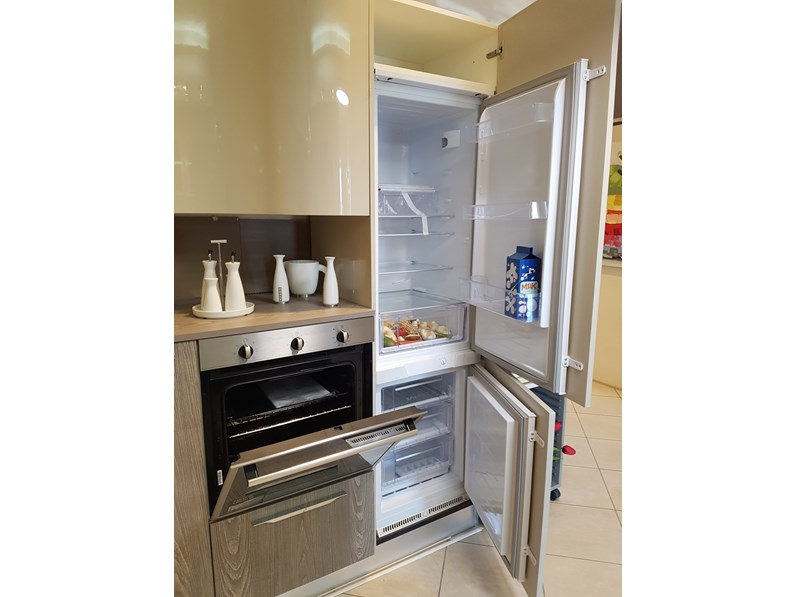 Cucina ad angolo moderna miami spar a prezzo ribassato - Cucina moderna ad angolo ...