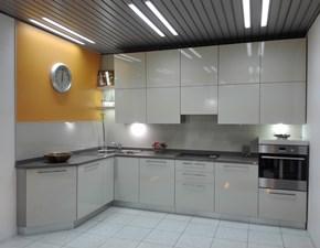Cucina ad angolo moderna Mod.018 sabbia Artigianale a prezzo scontato