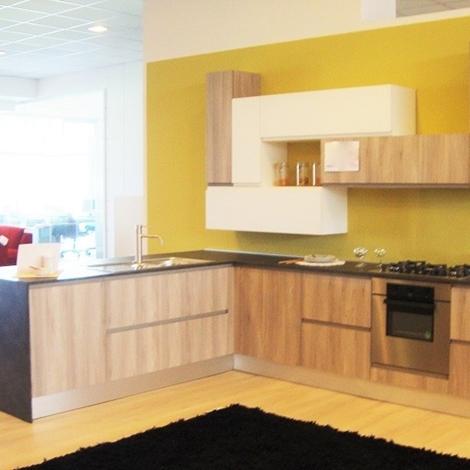 Cucina moderna completa di elettrodomestici scontata del - Cucine di marca scontate ...
