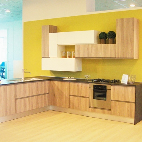 Cucina line completa di elettrodomestici scontata del 36 - Cucina moderna ad angolo ...