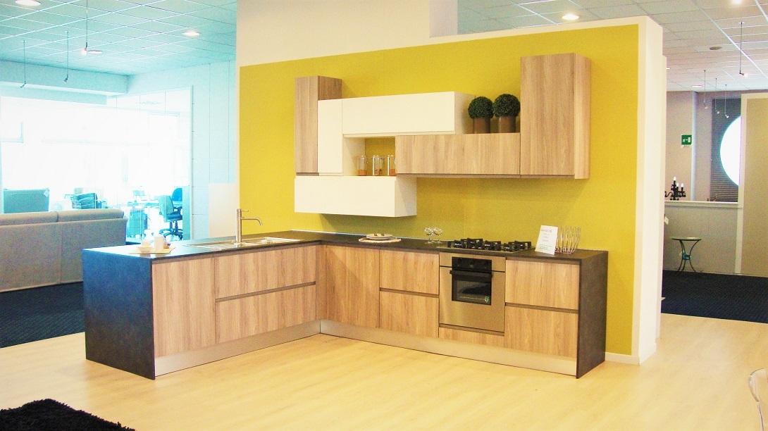Cucina line completa di elettrodomestici scontata del 36 - Cucina angolo moderna ...