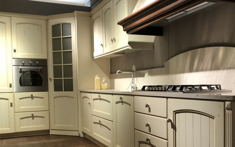 Cucina ad angolo morgana arrex scontata cucine a prezzi - Cucine con angolo dispensa ...