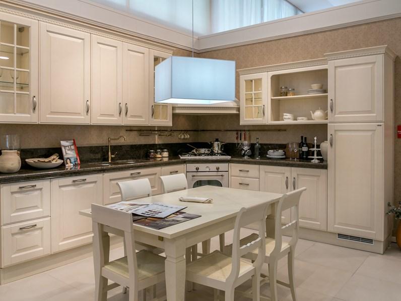 Cucina ad angolo scavolini baltimora piano granito - Disposizione cucina ad angolo ...