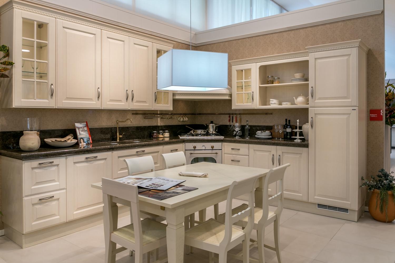 Cucina ad angolo Scavolini Baltimora piano granito ...