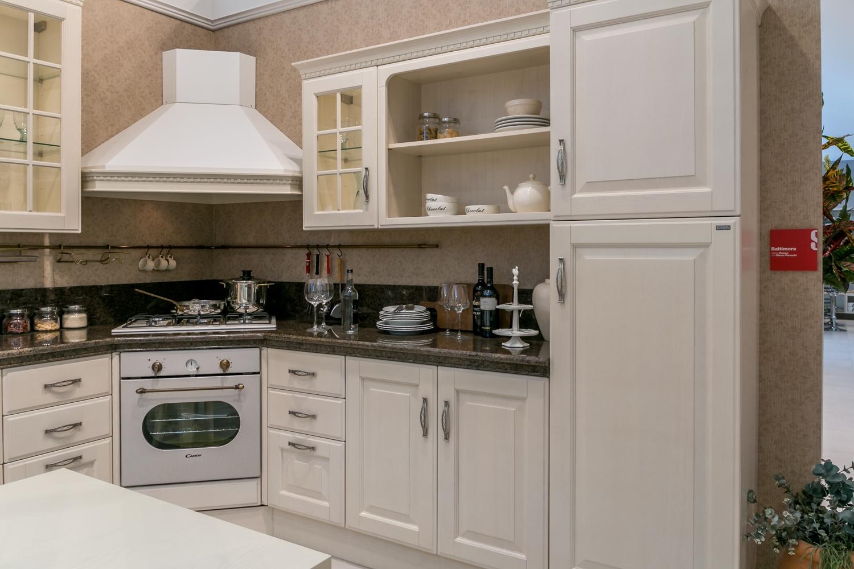 Cucina ad angolo scavolini baltimora piano granito - Cucine angolari ...