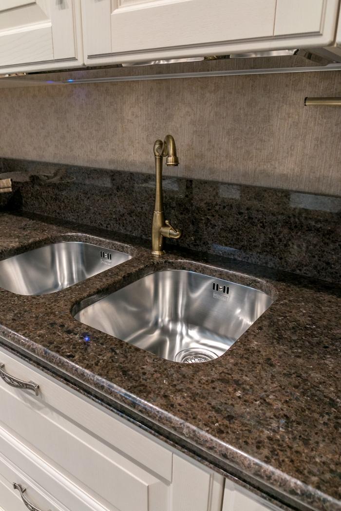 Cucine moderne ad angolo scavolini - Piano cucina in granito ...