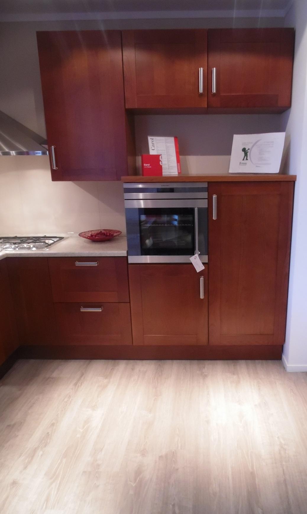 Cucina ad angolo scavolini carol scontata del 34 cucine for Cucine componibili ad angolo prezzi