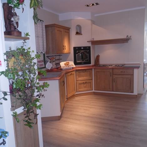Cucina ad angolo scavolini cora scontata del 34 cucine a prezzi scontati - Cucine scavolini prezzi offerte ...