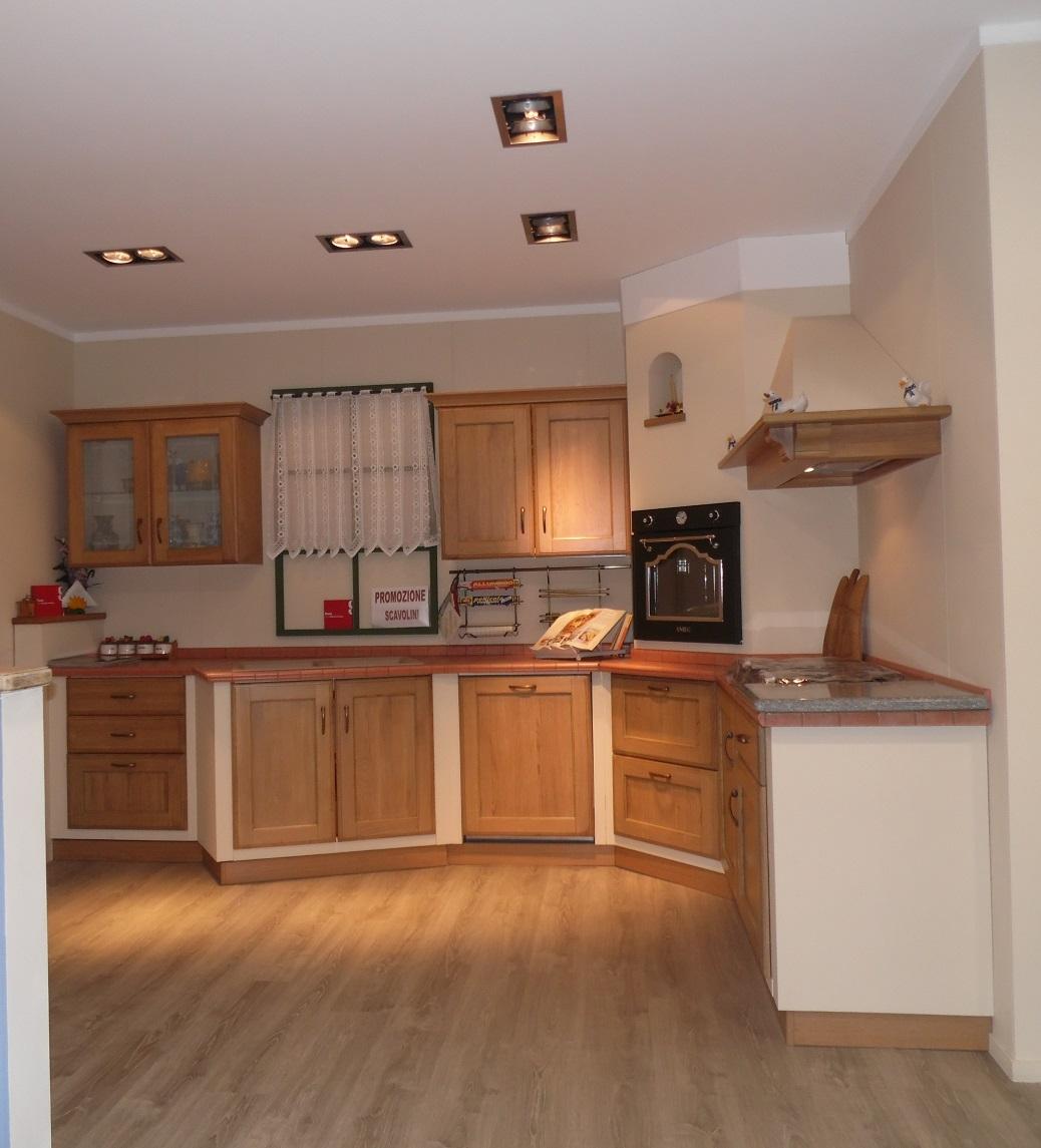 Cucina ad angolo scavolini cora scontata del 34 cucine - Composizione cucina ad angolo ...