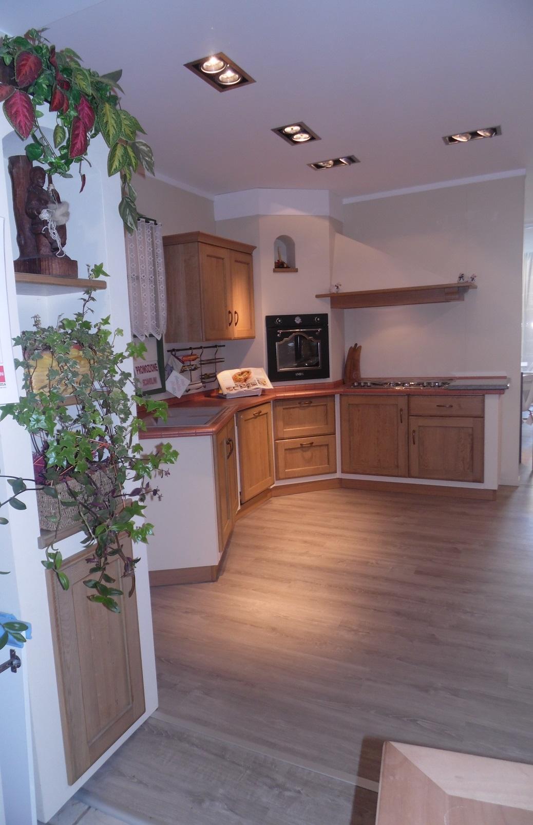 Cucina ad angolo Scavolini Cora scontata del 34% - Cucine a prezzi scontati
