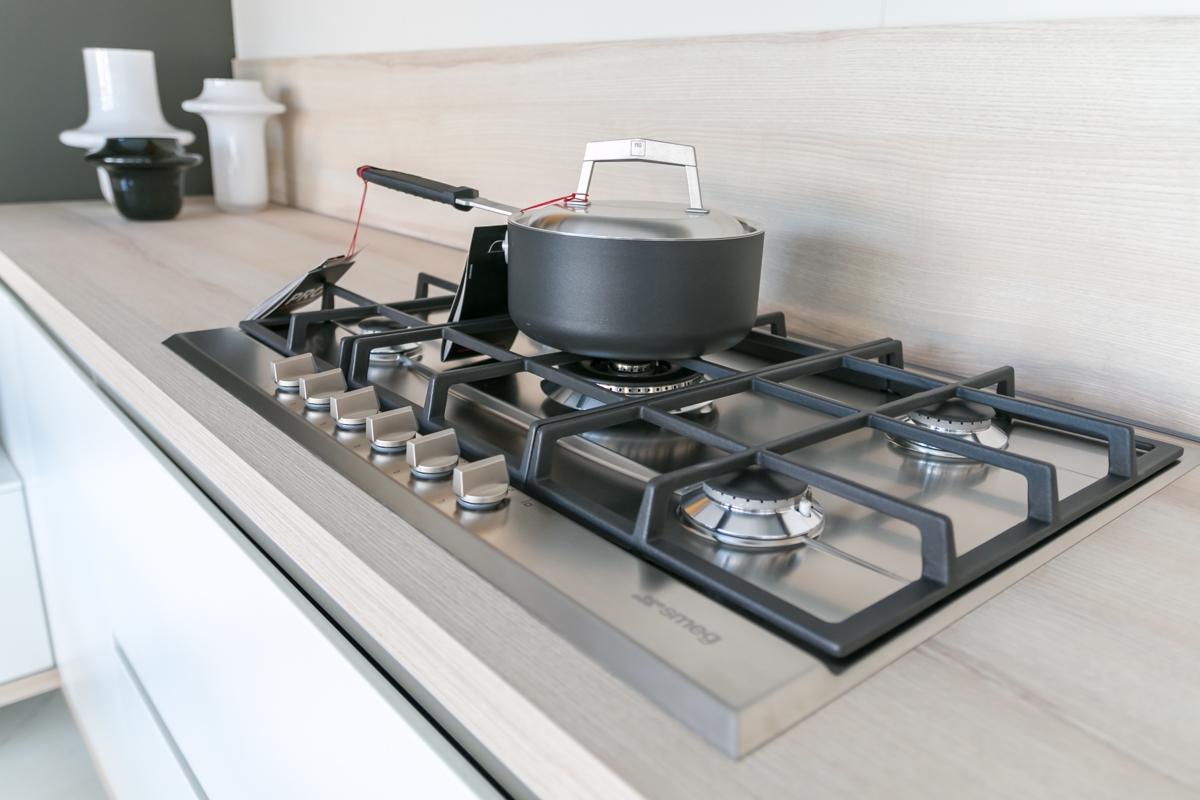 cucina ad angolo Scavolini modello Foodshelf scontata del 25 ...