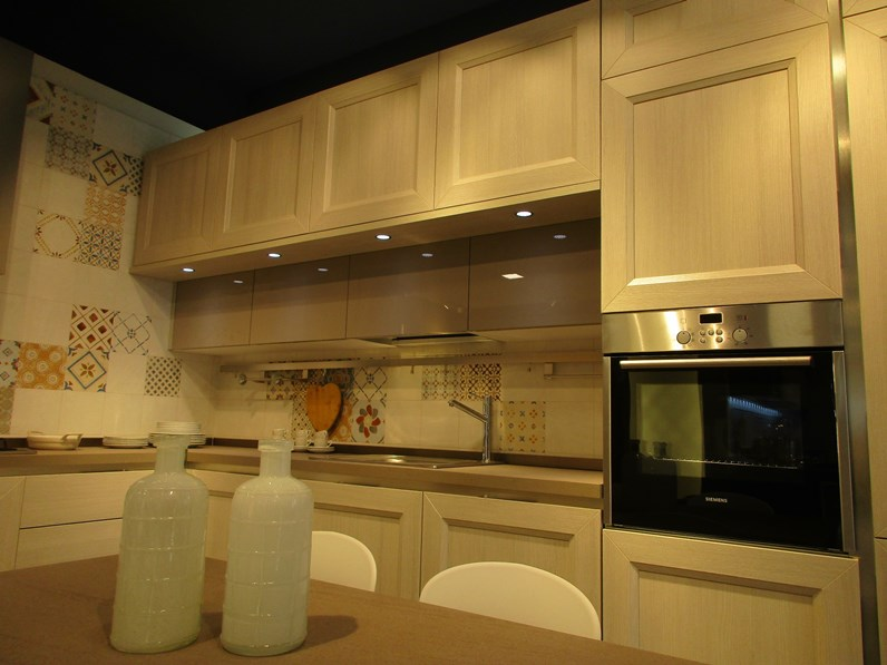 Cucina ad angolo Tablet Veneta cucine con uno sconto vantaggioso