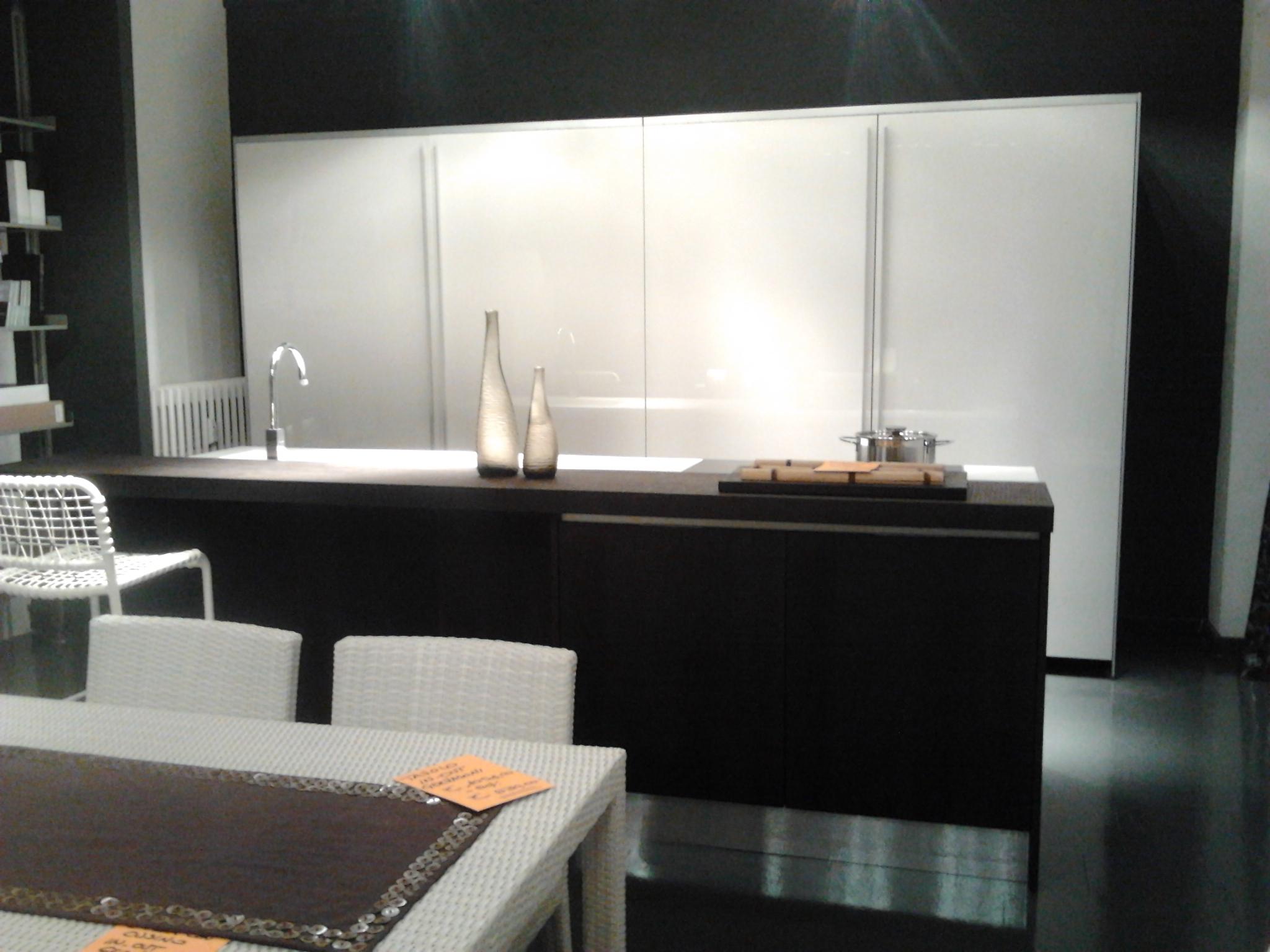 Cucine Moderne Con Isola Prezzi ~ avienix.com for .