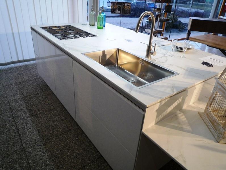Cucina ad isola design Gamma Arclinea a prezzo ribassato