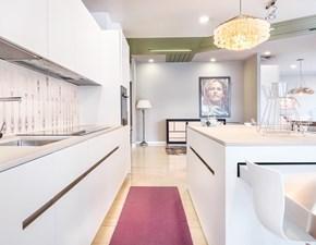 Cucina ad isola in laccato opaco altri colori @home cube a prezzo scontato