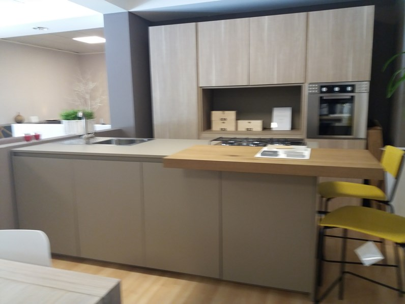 Cucina ad isola in laminato materico altri colori g 30 a prezzo ribassato - Top cucina fenix prezzo ...