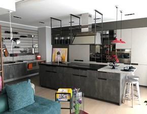 Cucina ad isola in laminato materico grigio Mia by cracco  a prezzo scontato