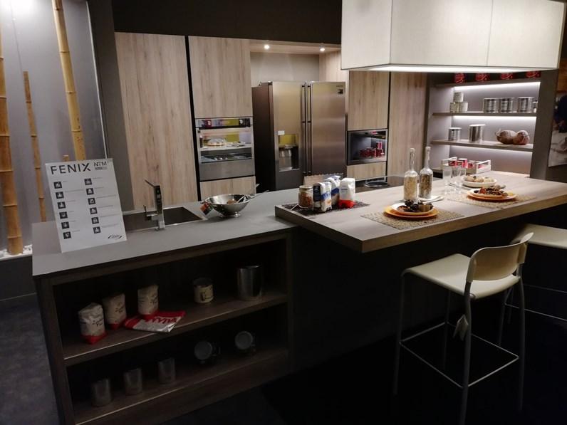 Cucina ad isola in laminato materico kal rovere nordico a for Arredo3 kali prezzo