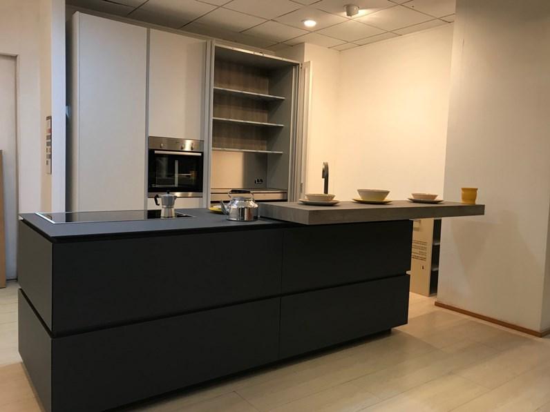 Cucina ad isola in resina cementizia a prezzo ribassato 52 for Fima arredamenti