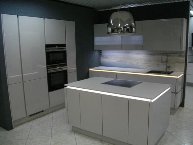 Cucina ad isola moderna 555 Lux Nobilia a prezzo ribassato ...