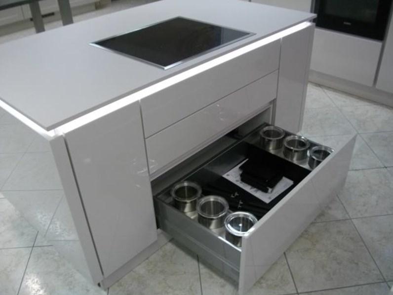Cucina ad isola moderna 555 lux nobilia a prezzo ribassato - Cucina moderna prezzo ...