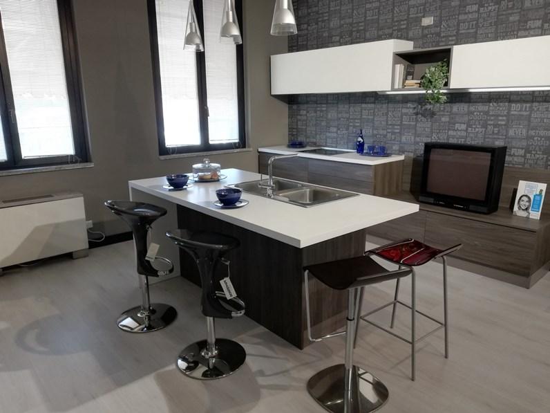 Cucina ad isola moderna Flo Ar-tre a prezzo scontato